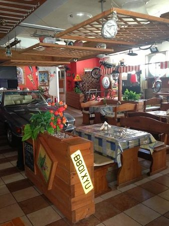 Falirala Central: inside the taverna