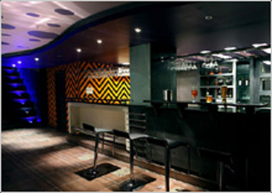 Hotel Maharaja Residency: bar