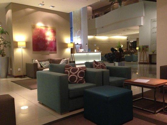 Hennessy Park Hotel : Hotel Lobby