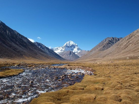 Lhasa, Cina: North of Diraphuk. Lha Chu valley