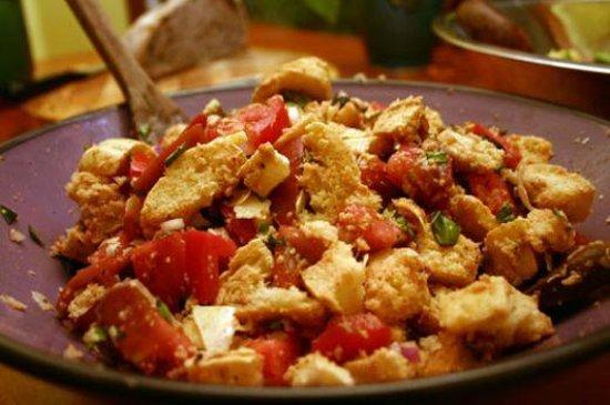 Cinnamon: panzanella