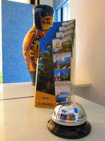 La Piramide Hotel: Reception