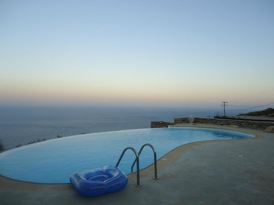 Als Marmarei: The view from the pool