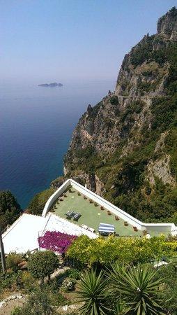 Villa Punta del Sole: Overlooking Villa from Entrance