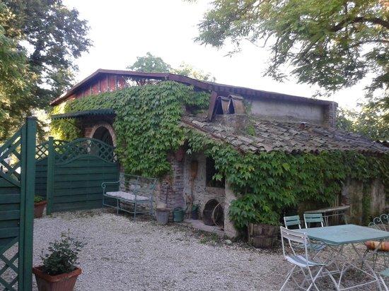 """Molino di Molanoce : La casetta che ospita il monolocale """"Il Fienile"""""""