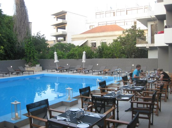 Amphitryon Boutique Hotel: Pool Bar