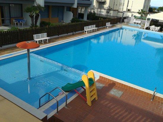 La piscina picture of hotel club la villa villa rosa di - Piscine di rosa ...