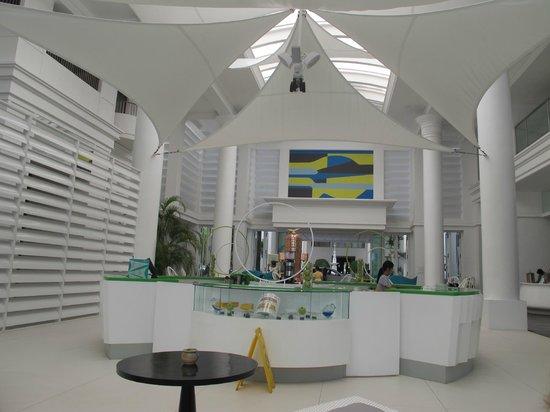 Movenpick Hotel Mactan Island Cebu: Foyer