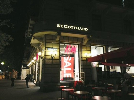 Hotel St. Gotthard: if shopping is your thing :)