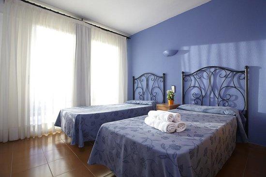 Mediterranean Suites : Habitación
