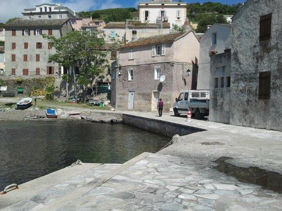 U Patriarcu : Port en bas de l'hotel