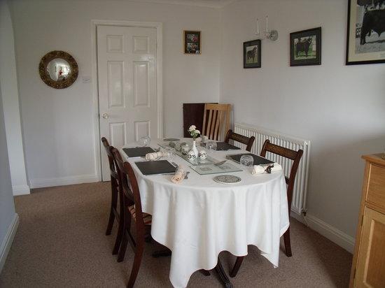 Tyddyn Perthi: Dining Room