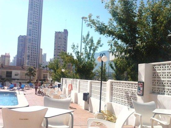 Apartamentos Luxmar: pool area