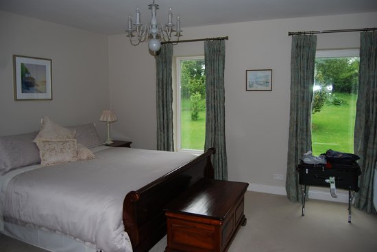 Ballinclea House Bed and Breakfast: adjoining bedroom