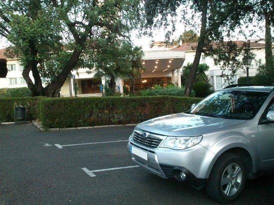 Ayre Hotel Cordoba: Aparcamiento Hotel