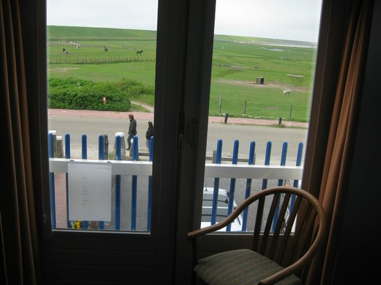 Strandhotel Camperduin: View from the rooms to the polders