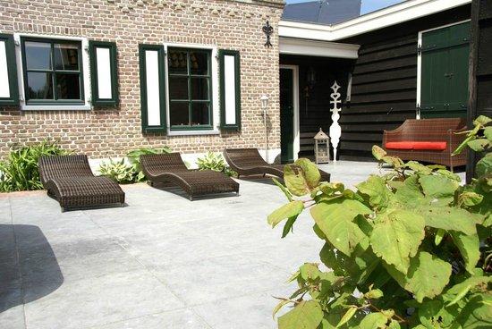 Hippolytushoef, Hollandia: Het Zonneterras