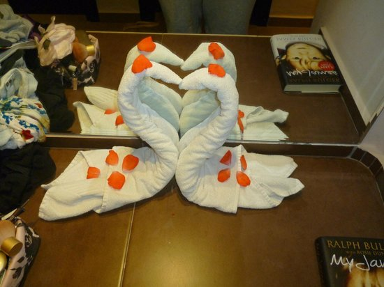 ClubHotel Riu Tikida Palmeraie: towel designs