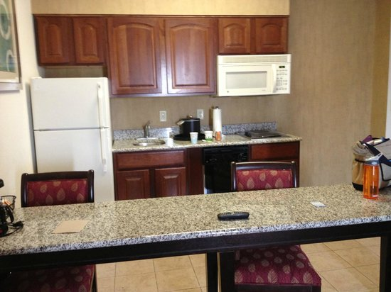 Hampton Inn and Suites Toledo-North: full kitchen