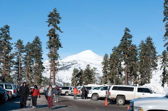 Sierra at Tahoe: Parking lot looking away from resort.