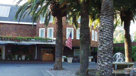 Stanford Park Hotel: Hotel entrance
