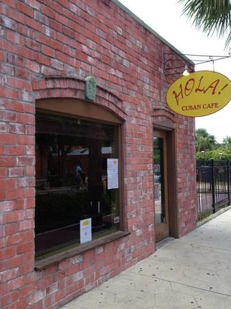 Hola! Cuban Cafe: Cuban cubby hole with great coffee