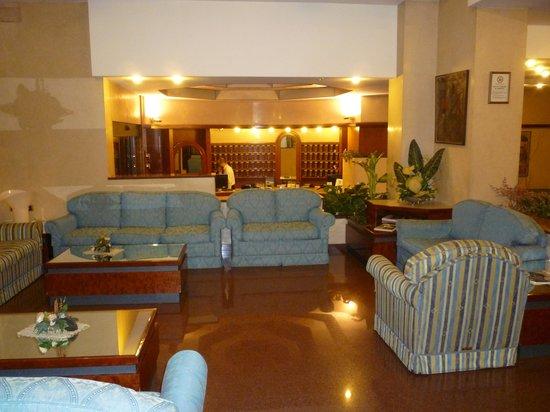 Soperga Hotel: Hotel lounge
