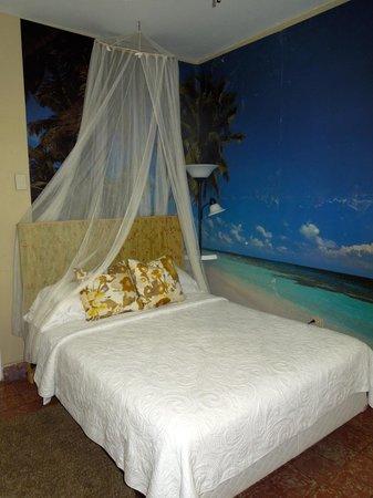 Coqui del Mar Guest House: La Concha bed
