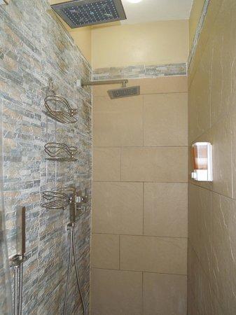 Coqui del Mar Guest House: La Concha bathroom