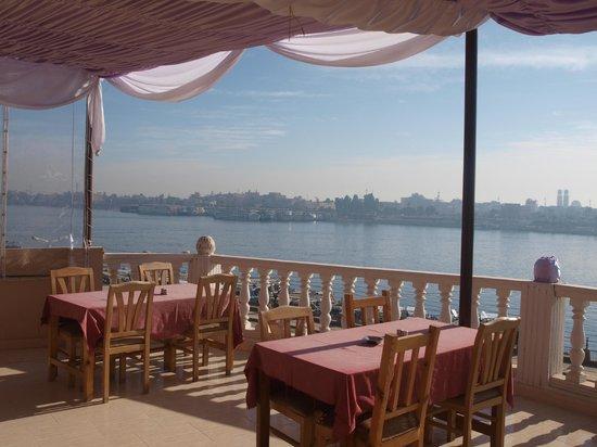 El Mesala Hotel: roof terrace