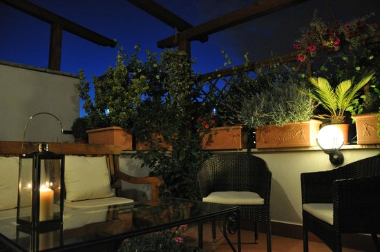 Althea Inn Roof Terrace : Patio