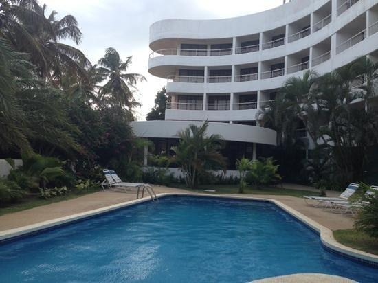 Hotel California: Área de piscina y las terrazas