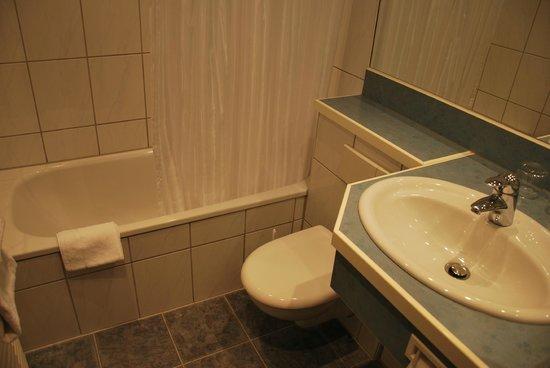 Appartel am Dom: Bathroom