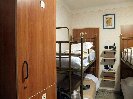 Hostel Archi Rossi: uma28348
