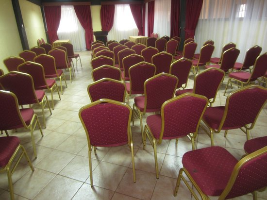 The Coconut Grill: conference hall