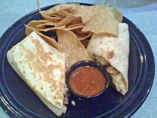 MexiCali Brewz: Bland Burrito and Disappointing Chips