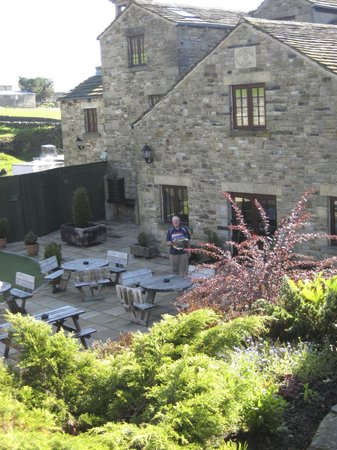 Pack Horse Inn: A beautiful patio