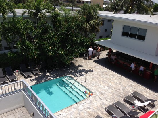 Royal Palms Resort & Spa: Front Pool with Bar and Cafe