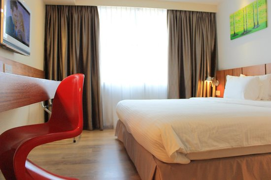 Ipoh French Hotel: Deluxe Extra King Room