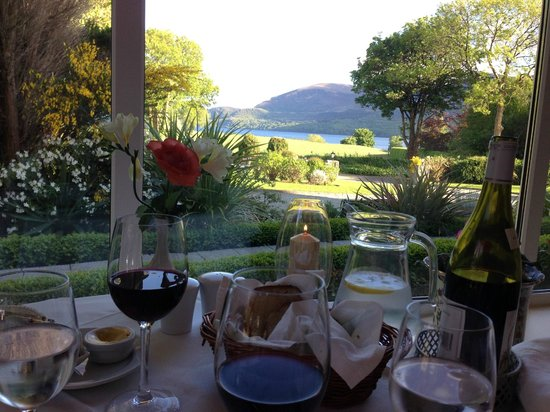 Loch Lein Country House: What a view