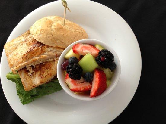 Royal Palms Resort & Spa: Mahi sandwich