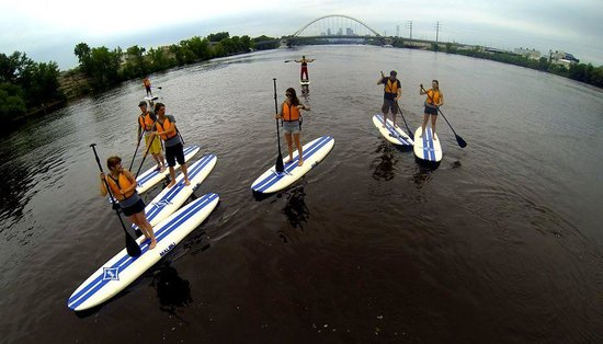 Stand Up MN Paddleboarding Day Tours: Cruising down the Mississippi