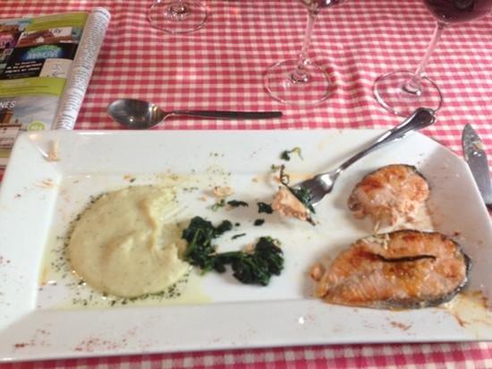 O Muino de Pena: fantastic salmon dinner!