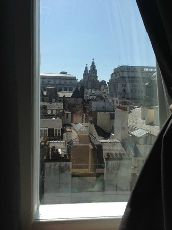 Z Hotel Liverpool: Liver Building from my room