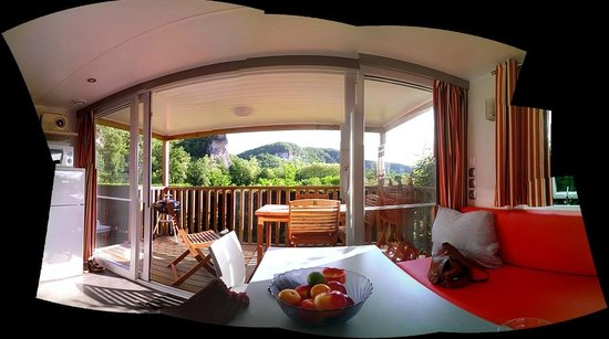Domaine de Soleil Plage: Covered terrace with beautiful view