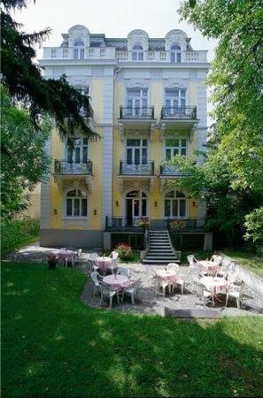 Hotel Park Villa: Garden view