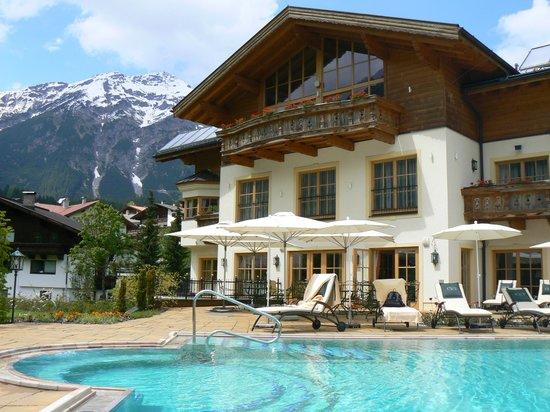 Singer Sporthotel & SPA: Vue des montagnes  depuis le SPA