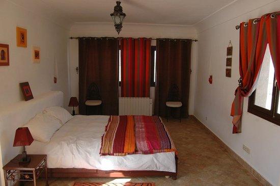 Berkane, Marruecos: chambre rouge