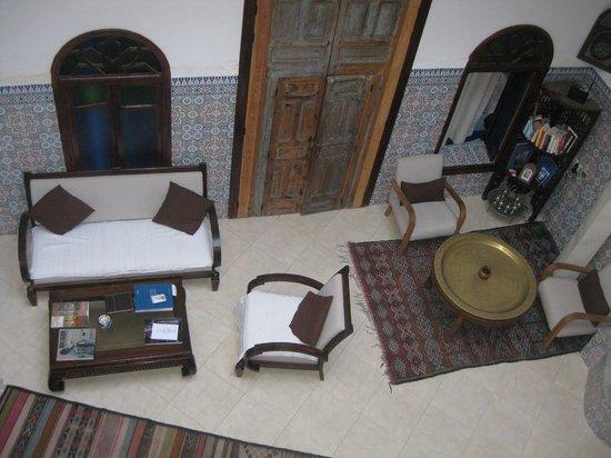 Riad Dar Nawfal: cour intérieure