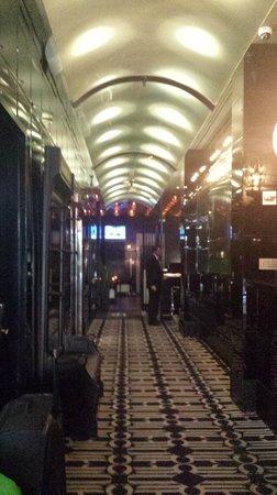 Night Theater District: Lobby/Hallway